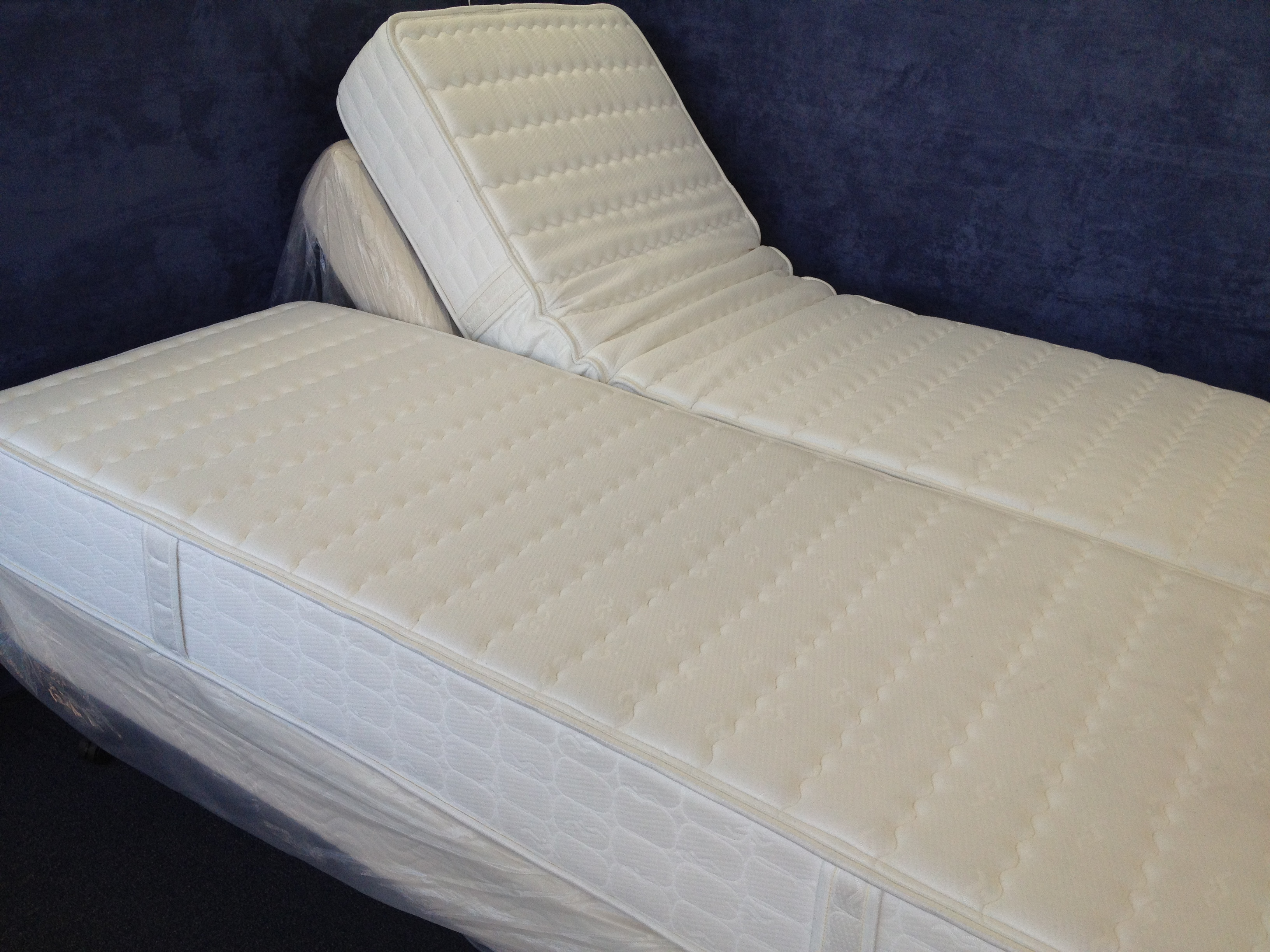 DUAL QUEEN ADJUSTABLE BED